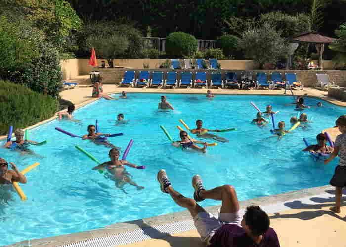 Aquafun-entertainment in het zwembad